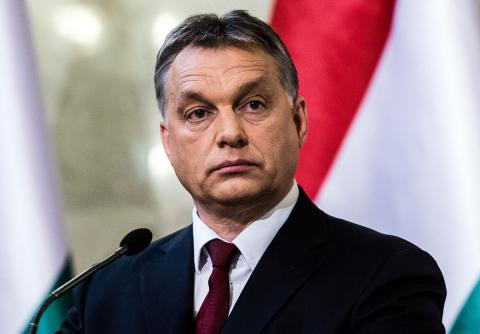 Hungarian parliament narrowly rejects PM's migrant resettlement ban