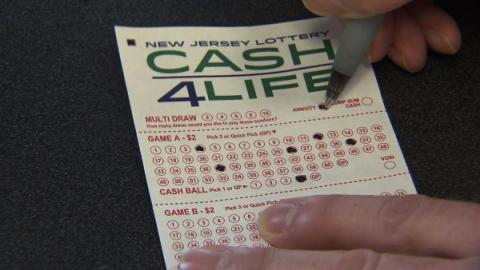 Mistakenly sold lottery ticket earns couple $1 million