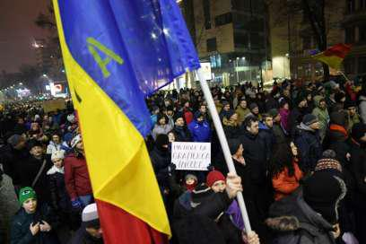 Romanian president wants plebiscite on changes in criminal law