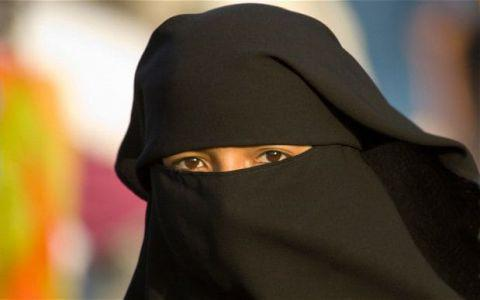 Austria bans veil in public places