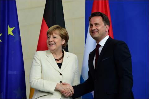 Merkel urged EU states to be united