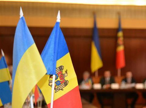 Ukrainian, Moldovan PMs discuss economic