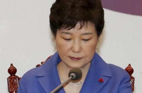 Corruption scandal in South Korea: Prosecutors to question impeached President Park in Feb