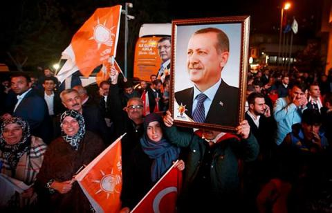 Turkey's parliament to decide on constitutional reform before weekend
