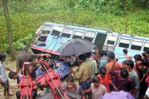 Truck school bus collide, kill at least 25 kids in northern India