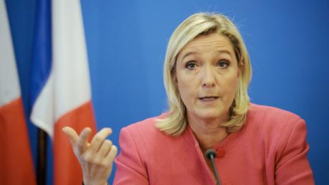 Poll: Le Pen leads in French presidential race