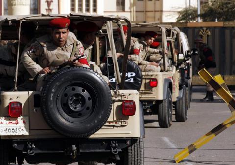 Egyptian army says jihadi militants killed 5 soldiers in Sinai