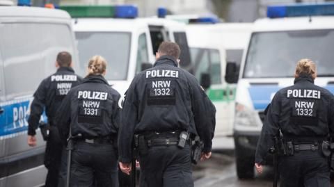 German police raid several suspected right-wing extremist homes