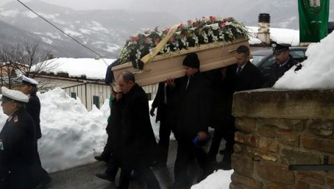 Abruzzo avalanche final death toll stands at 29 - Rescue team
