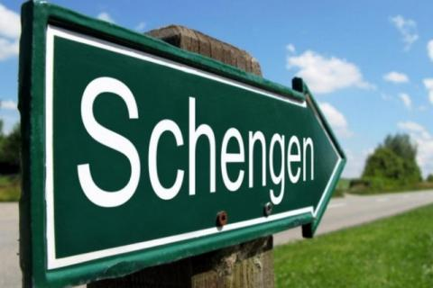 EU wants Schengen zone restored from mid-May, Germany opposes