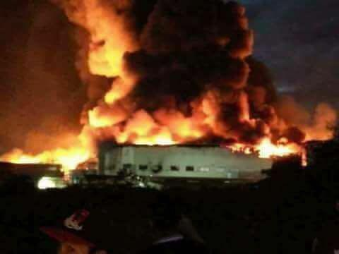 100 injured, 3 missing in fire at huge factory south of Manila, Philippines (VIDEO)