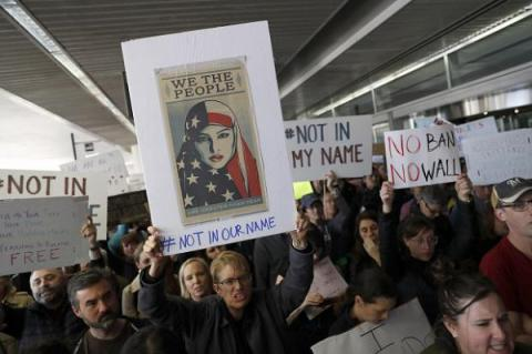 "Only 31% Americans believe the immigrant ban makes them ""more safe"" - Poll"