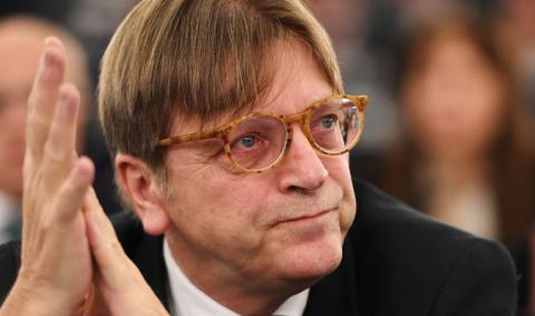 "Verhofstadt: ""Thousands"" of Britons want to remain EU citizens"