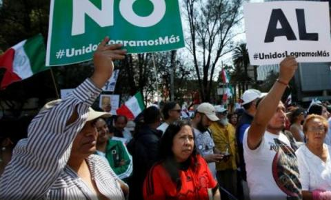 30,000 march in two largest Mexican cities in anti-Trump protests