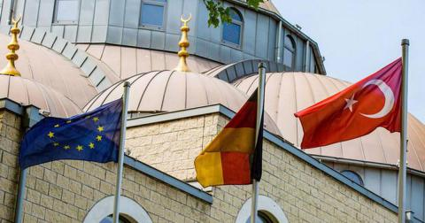 Four Turkish imams suspected of spying in Germany