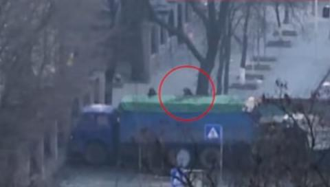 Emerged on Internet video shows Berkut police shooting at Euromaidan protesters (VIDEO)