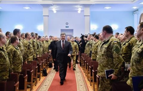 Russian military building up on Ukrainian border, threat of invasion persists - Poroshenko