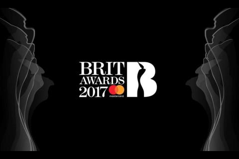 David Bowie wins two awards at 2017 BRIT Awards (VIDEO)