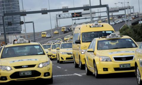 "Traffic stopped in Melbourne due to ""go slow"" taxi protest"