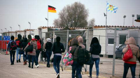 Germany faces nearly 10 attacks a day on migrants in 2016