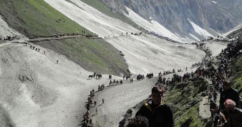 7 Hindu pilgrims killed in firefight between militants, police in Kashmir