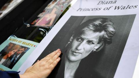 Public marks 20 years since Princess Diana's death