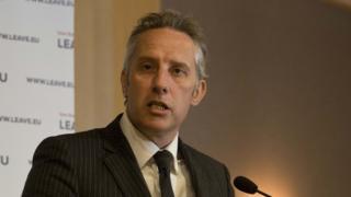 Ian Paisley denies ?100K Sri Lankan holiday claim