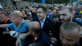 Former governor Mikheil Saakashvili 'forces entry' to Ukraine